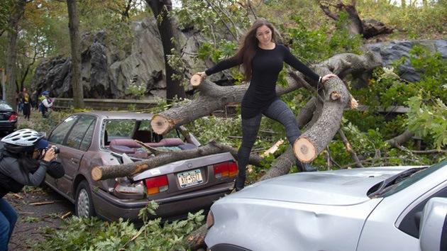Fotos: Modelo brasileña 'desfila' en zonas devastadas por Sandy