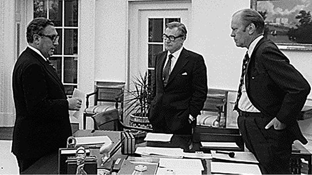"""Documento revelado: El exsecretario de Estado Kissinger pretendía """"destrozar"""" Cuba"""