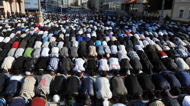 Fotos: Los musulmanes rusos celebran una de las fiestas más grandes del año