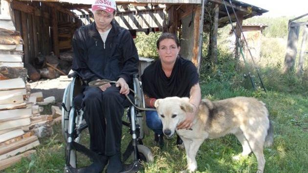 Un perro disminuido inspira la lucha por la vida de un hombre discapacitado