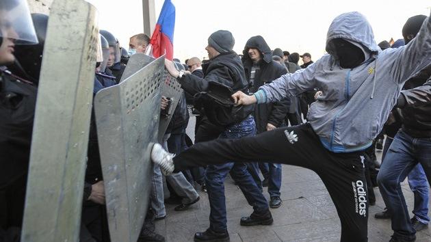 Minuto a minuto: Protestas recorren las ciudades de Ucrania