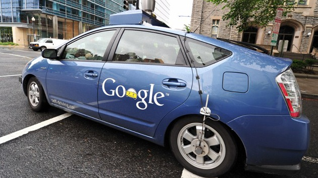 Reino Unido investiga los 'coches-espía' de Google