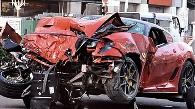 VIDEO: Impactante y fatal choque de un Ferrari