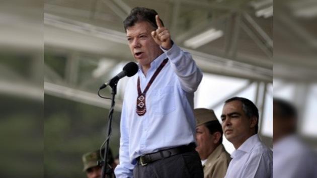 Santos dice que las FARC son responsables del atentado contra Caracol Radio