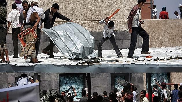 La Policía de Yemen abrió fuego contra los manifestantes cerca de la embajada de EE.UU.