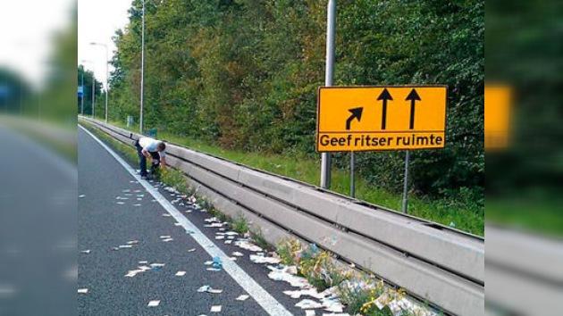 En una carretera de Holanda cae un 'maná'... en efectivo