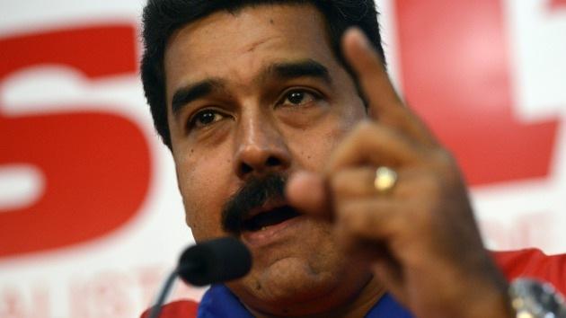 Maduro aspira a formar un millón de milicianos en defensa de la revolución