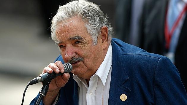 Mujica quiere acoger a 50 niños sirios refugiados en una residencia oficial