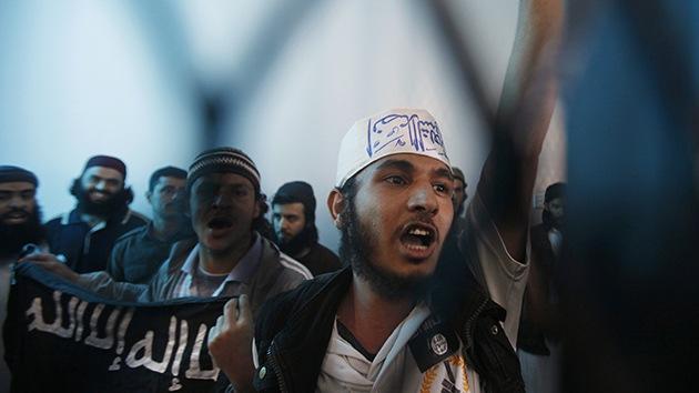 Ridículo en el debut: la nueva Al Qaeda en la India aborda por error una fragata paquistaní