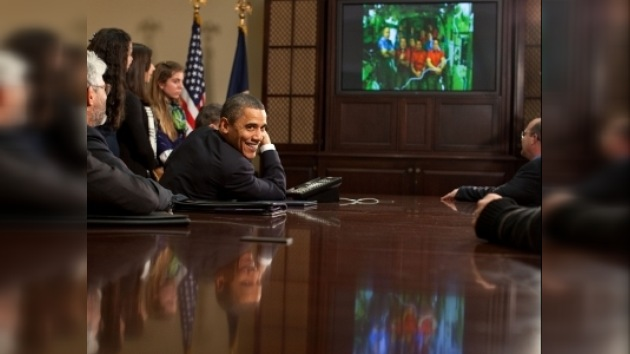Barack Obama felicitó por su trabajo a los ocupantes de la EEI