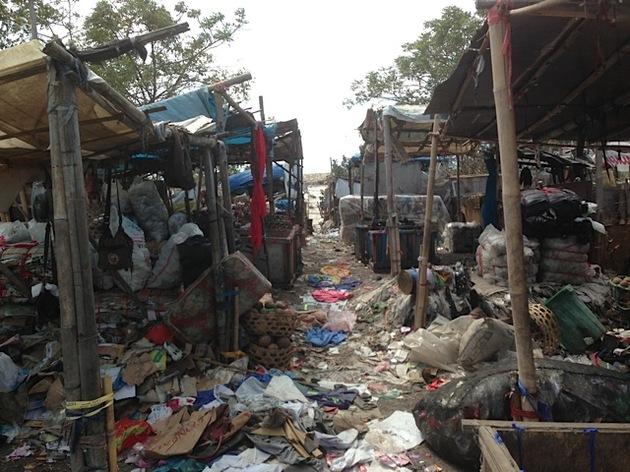 Compañia Capitalista convierte basura en casas sostenibles y a prueba de terremotos. Dbed0a460709fb4688cfec7408c6195b_article630bw