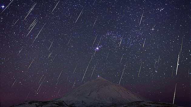 Espectacular lluvia de estrellas sobre el volcán Teide, imagen del día para la NASA