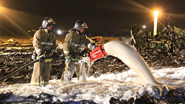 """Pasajero del avión siniestrado en Kazán: """"La nave casi se estrella al aterrizar en Moscú"""""""