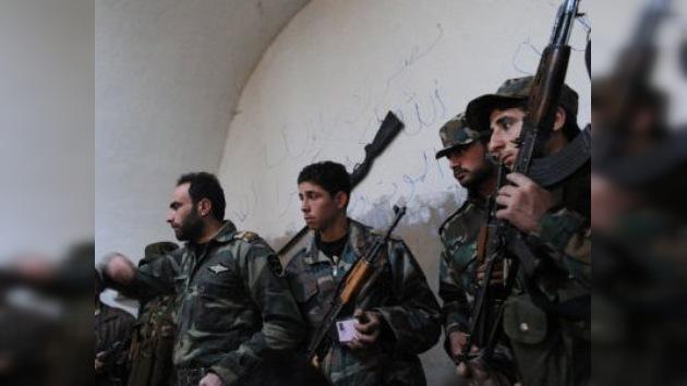 La oposición siria en el exilio solo acepta una solución militar al conflicto