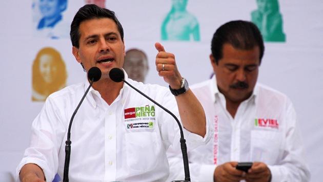 Peña Nieto arrasa en los sondeos previos a las presidenciales en México