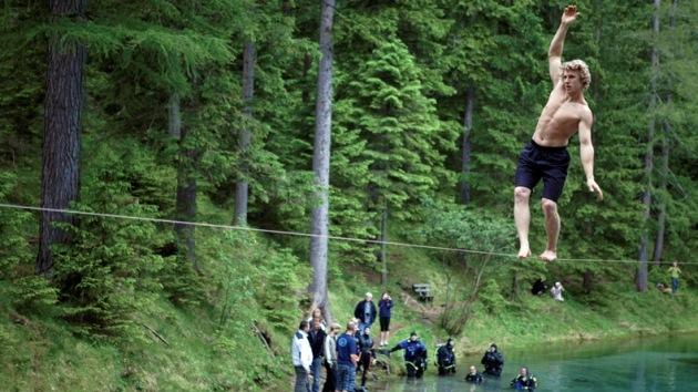 VIDEO: récord de alto riesgo sobre una cuerda