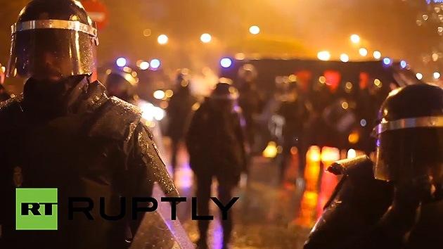 Video: La Policía agrede al periodista de la agencia de RT, Ruptly, durante la protesta en Madrid