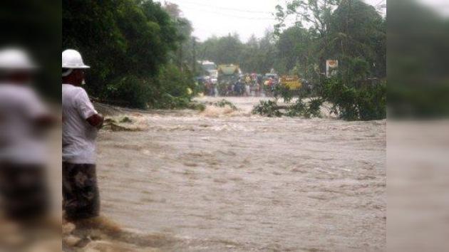 Más de 645.000 filipinos afectados por una violenta tormenta tropical