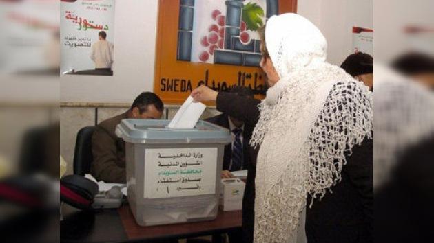 Siria, a la espera del recuento de votos del referéndum constitucional