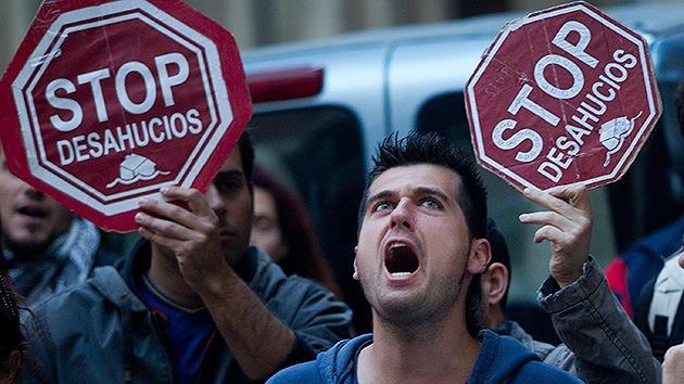 España: Un hombre intenta cortarse las venas cuando llegaban para desahuciarlo