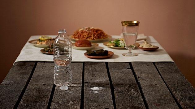 FOTOS: Un artista muestra las desigualdades social a través de comida