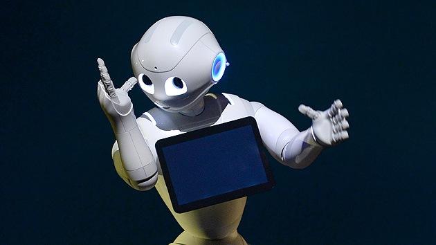 """Conozcan a Pepper, el primer robot """"con emociones y corazón"""""""