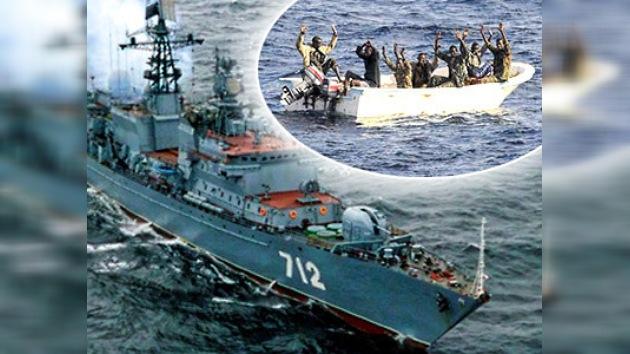 Marina rusa de guerra captura a piratas somalíes