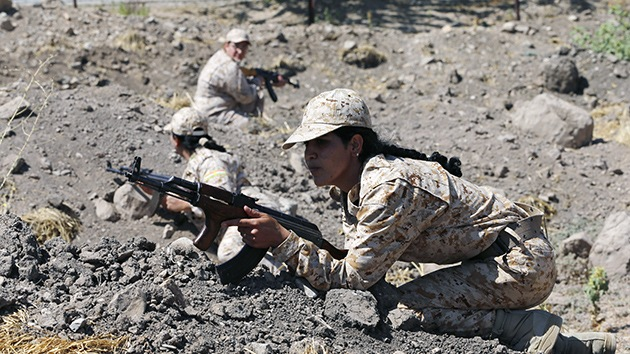 Las combatientes kurdas dejan a los yihadistas del EI sin vírgenes en el paraíso