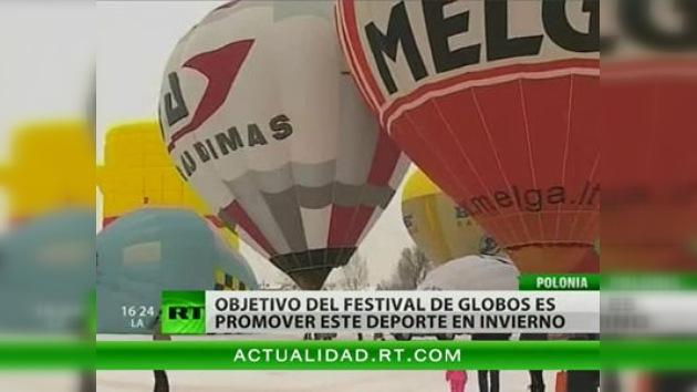 En Polonia se celebra un festival invernal de globos aerostáticos