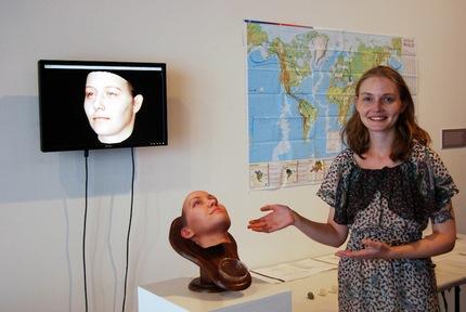 e0d2e2616939fec59d28668ffeb9eca9 article430bw Fotos: Una artista estadounidense crea retratos 3D a partir de ADN
