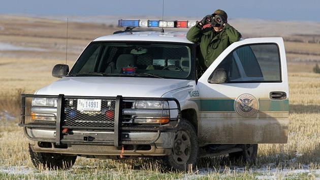 La corrupción traspasa fronteras: el tráfico de personas corroe las aduanas en EE.UU.