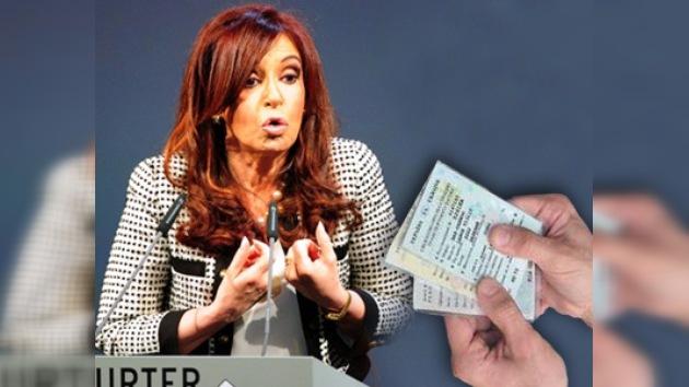 Un agente judicial alemán persiguió a la presidenta argentina por la deuda
