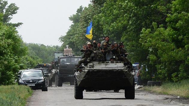 Ucrania: Aviación y tanques atacan la aldea de Yámpol