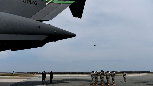 EE.UU. reduce los vuelos de aviones de caza por los recortes presupuestarios