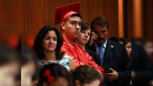 Cientos de indocumentados acuden a la primera audiencia sobre la 'Dream Act'