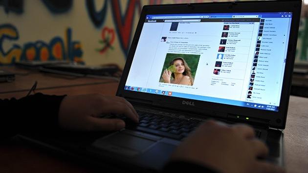 Tener una 'novia' en Facebook está al alcance de cualquiera