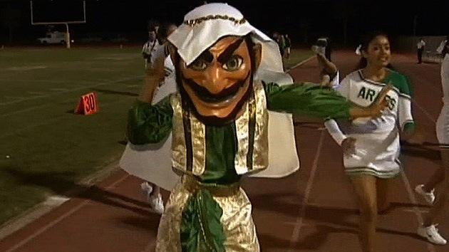 La mascota con cara de árabe de una escuela de California desata la polémica en EE.UU.