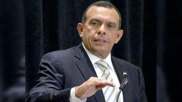 Porfirio Lobo no participará en la Cumbre de América Latina con la UE