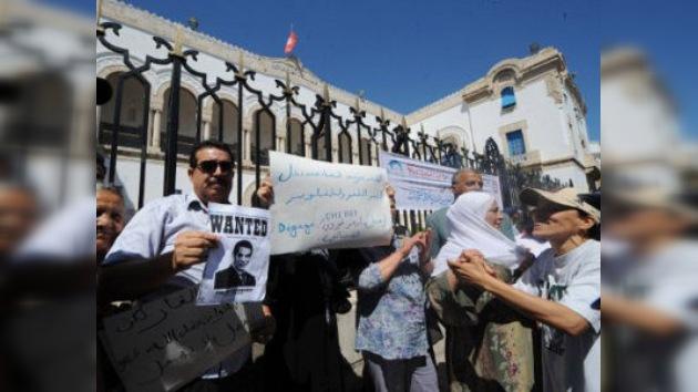 Condenan al ex presidente de Túnez a 35 años de prisión