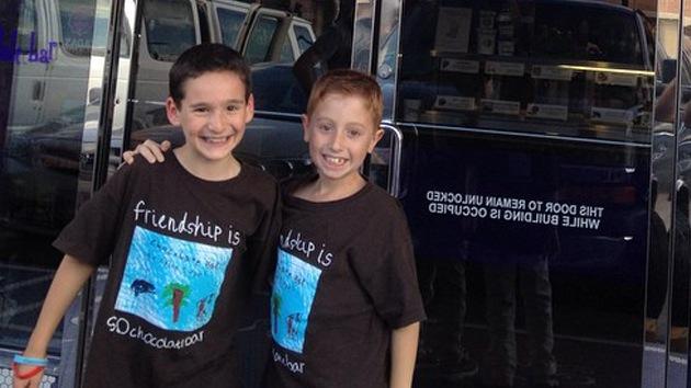 Niño de 8 años consigue 850.000 dólares para ayudar a su amigo enfermo