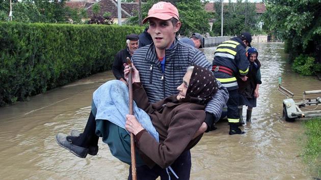 Inundaciones catastróficas en Serbia y Bosnia y Herzegovina dejan al menos 44 muertos
