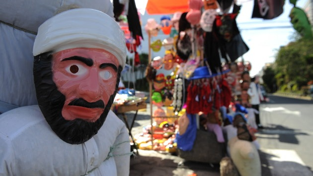 Juguetes de Bin Laden con cara de diablo, otra arma de la CIA en Afganistán