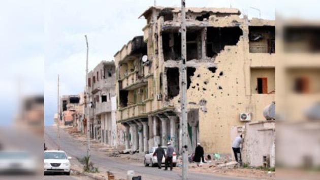 """La OTAN aplica en Libia la """"receta iraquí"""": bombardear primero, reconstruir después"""