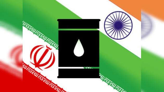 La India se niega a reducir la importación de crudo iraní