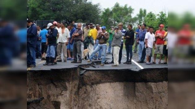 Las inundaciones matan a cerca de cien personas en Centroamérica