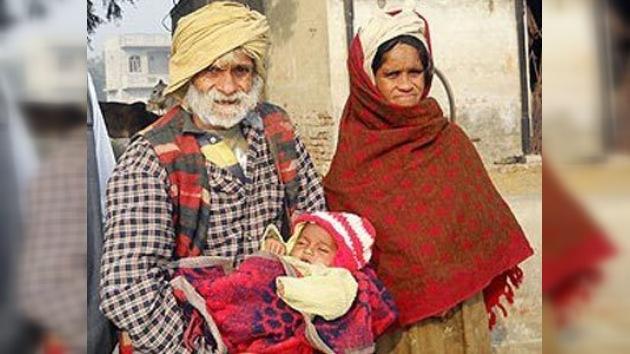 Un campesino hindú, padre por primera vez a los 94 años