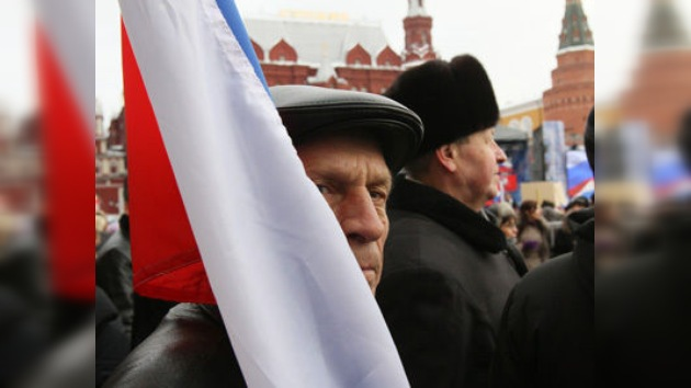 Las calles de Moscú se llenan de partidarios y opositores a Putin