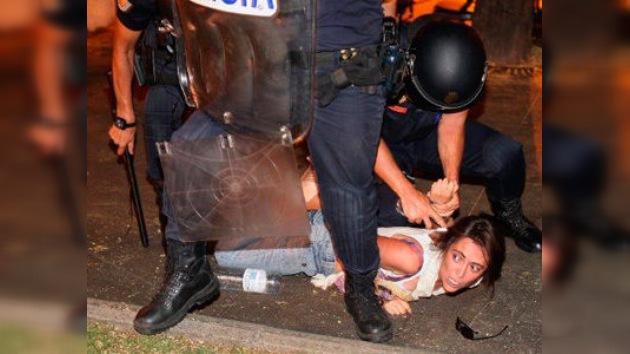 """Human Rights Watch: la Policía hizo un """"uso excesivo de fuerza"""" contra los 'indignados'"""
