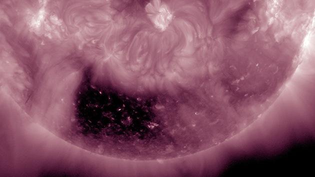 Video: La NASA descubre un 'Cuadrado Negro' en el Sol