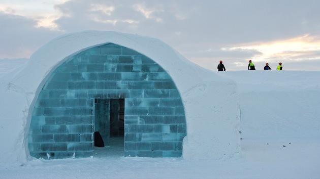 Fotos: El hotel de hielo más grande del mundo reabre en Suecia